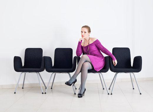 sillas en sala de espera
