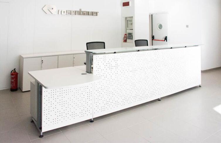 Rosenbauer: equipamiento de mobiliario de oficina en Leganés