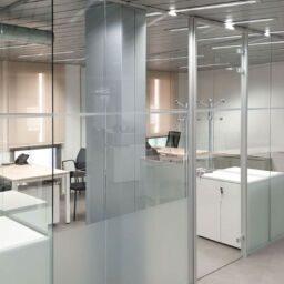 distribuir el espacio y decorar la oficina