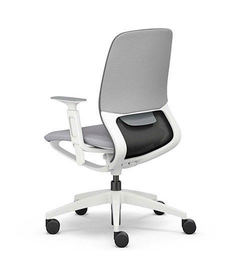 silla de oficina blanca
